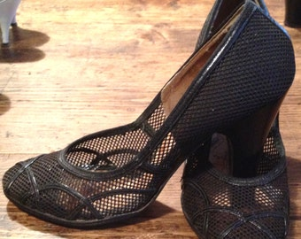 Vintage Amazing early 1940 40s 40's Black mesh & leather shoes high heels great condition very rare