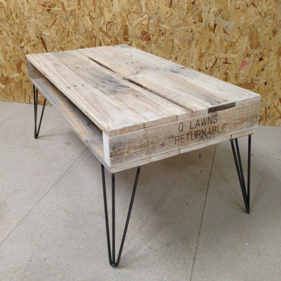 Etsy Wood Oval Coffee Table: Reclaimed Pallet Wood Coffee Table With Hairpin Legs