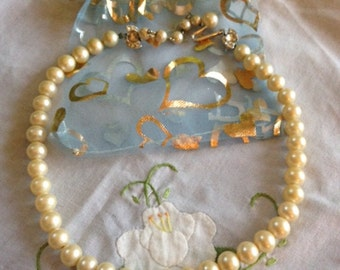 "Vintage Pearl Choker/Necklace 15"" inch"