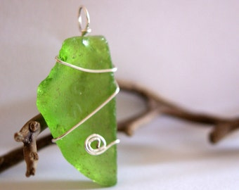 Kelly Green Sea Glass Wire Wrapped Pendant