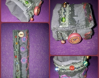 Fabric bracelet with beads and Fimoknopf