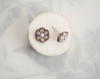 CLEAR CRYSTAL STUD earrings / small stud earrings / crystal earrings / cute earrings / handmade earrings / wishpiece