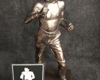 Freddie Mercury Limited Edition Figurine Only 1000 Made By LEGENDS FOREVER Statue Model With Collectors Card