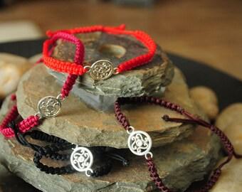 Macramé bracelet with tibetan silver connector
