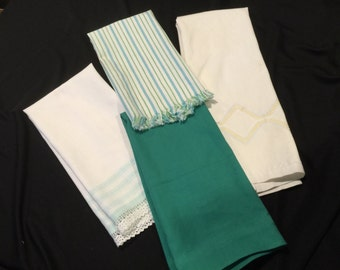 Set of 4 Vintage Green and White Kitchen Towels