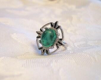 Vintage Cabochon Ring Green Silvertone Adjustable