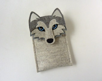 Standard iPhone SE, 5, 5S, 5C, 6, 6S, 6 Plus, 6S Plus, 7 and 7 Plus case - Husky dog cell phone case and wristlet