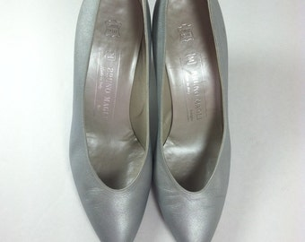 Vintage Silver Pumps Metallic Shoes Sparkle Bruno Magli Italian size 7.5