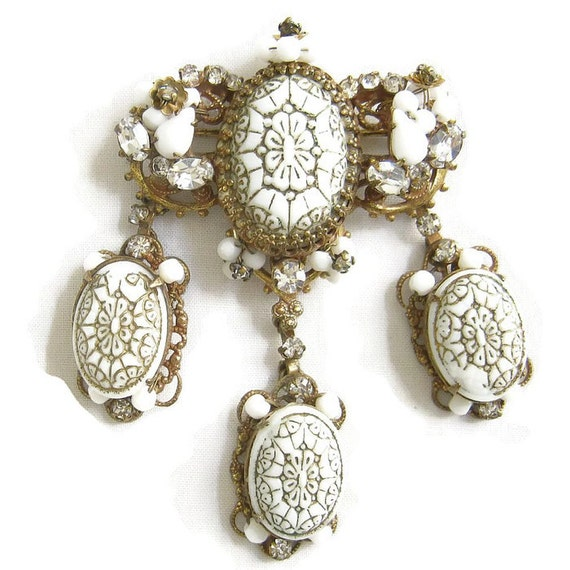 Vintage signed ORIGINAL by ROBERT Molded Glass, Rhinestones and Faux Pearls Gilt Dangle Brooch or Pin