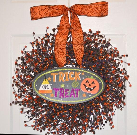 Halloween Wreath- Pumpkin Wreath- Jack-O-Latern Berry Wreath- Halloween Decor- Fall Wreath- Fall Decor- Hostess Gift - Pumpkin, 18-24 inch