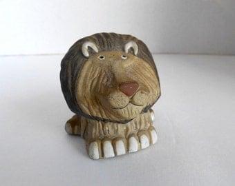Lion Figurine / Totem 1978 Enesco