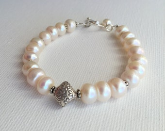 Freshwater Pearl Bracelet. Sterling silver, Real Pearls, White, Thai Hill Tribe Silver