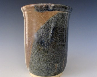 Large Vase. Stoneware. Sand and Sky. Creamy White. Stonewashed Denim. Blue Gray. Pewter.