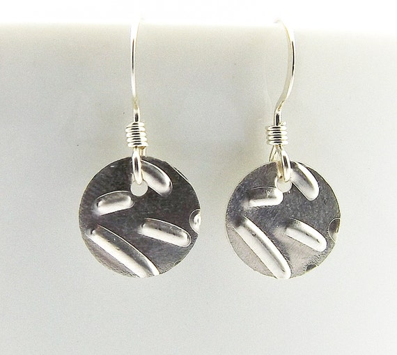 https://www.etsy.com/listing/221406516/sterling-silver-confetti-disc-earrings?ref=shop_home_active_7