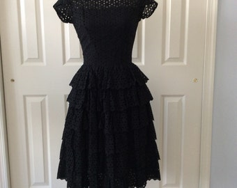 SALE 1950s party dress- tired black cotton eyelet - Henley Jr
