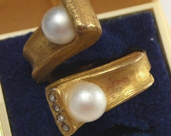 Vintage Bypass Ring Pearl & Rhinestones
