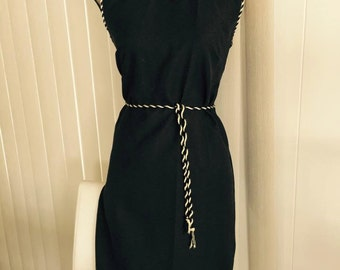 Vintage Sassy Little Black Sheath Dress -- Mad Men -- 1960's