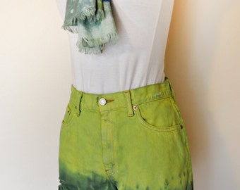 Yellow Size 8 Vintage Levi's 550 Shorts - Ombre Dyed Chartreuse Green Urban Vintage Denim Cut Off Shorts - Adult Womens size 8 (28 Waist)