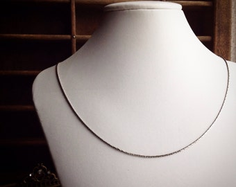 Simple Snake Chain Necklace / Vintage / Shiny / Silver