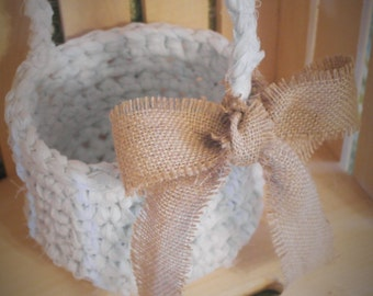 Crochet Basket with Handle and Burlap Bow, Small Flower Girl Basket, Easter Basket, Wedding, Gift Basket, Rustic Wedding, Cottage Chic
