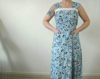 1950s Dress // DEADSTOCK Cotton Day Dress // Abstract Blue Floral Novelty Print // Plus Size // Full Skirt With Pockets // Large XL