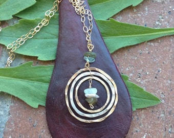 FAMILY necklace. 3 or 4 or more interconnected rings for each member. Gold/silver, stone center RINGS of LOVE, infinity