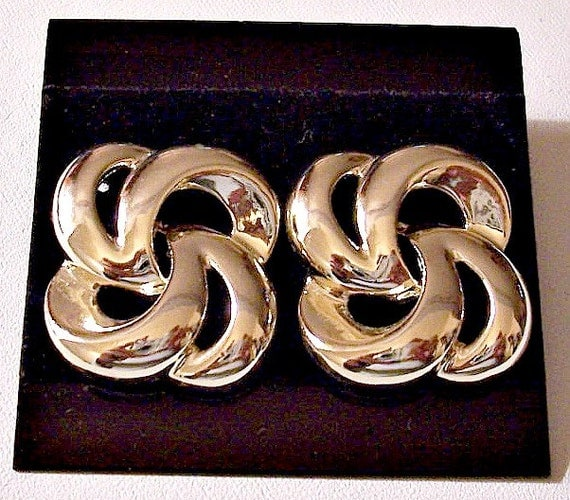 Open Swirl Band Knot Pierced Earrings Gold Tone Vintage Large Square Curved Bevel Bands
