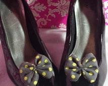 Polka Dots - Shoe Bow Clip - Gray & Yellow - Pair - Rockabilly - Pin up Girl - Shoe Accessory