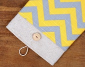 60% OFF Winter SALE White Linen iPad Case with grey yellow chevron print pocket. Padded Cover for iPad 1 2 3 4. iPad Sleeve Bag.