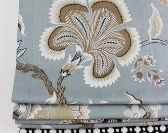 Celerie Kemble for Schumacher Hothouse Flowers Roman Shade (shown with Border in Betwixt)