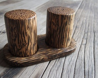Salt Pepper shakers with tray Palm wood