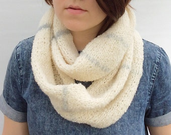 Womens Infinity Scarf, Wool Scarf, Girlfriend Gift, Loop Scarf, Circular Scarf, Undyed Wool