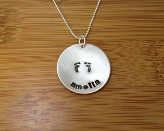 personalized mommy necklace - mommy jewelry - personalized baby feet necklace - personalized necklace - baby feet necklace - baby necklace