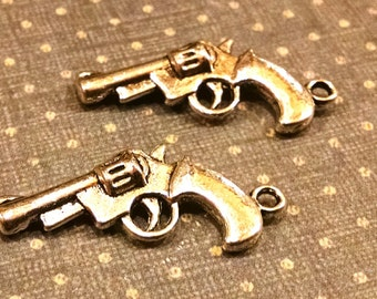 2 silver tone Pistol Charms / Jewelry Supply / Western Findings / Hand gun charm / assemblage / mixed media / altered art / craft /