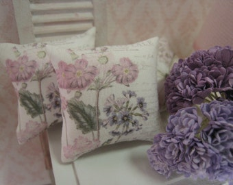 1:12 DOLLHOUSE PILLOWS