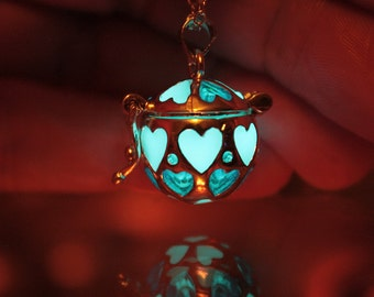 Locket HEART GLOW in the DARK Locket