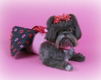 SAMPLE SALE:   Hot Lips Dog Dress