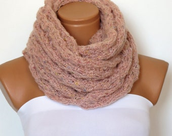 Knit scarf, infinity scarf, ice soft pink chunky Cowl scarf, winter accessories, pink circle scarf, cowl scarf, chunky scarves