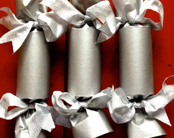 Silver Bow Party Cracker