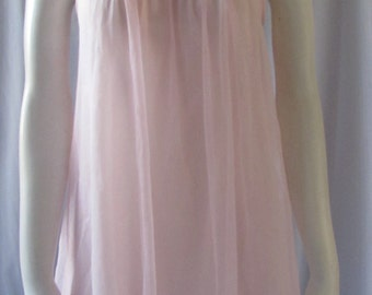 1960s PINK NIGHT Gown size small  made in USA