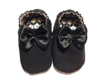 Baby Girl Shoes with Bows, 0-6 mos. Baby Booties, Slip on Baby Girl Shoes, Baby Girl Crib Shoes, Baby Girl Gift. Black Baby Shoes