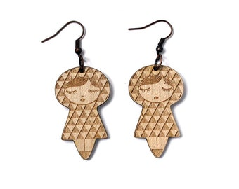 Doll earrings with Uroko pattern - matriochka jewelry - kokeshi jewellery - lasercut maple wood - triangle - minimalist - cute