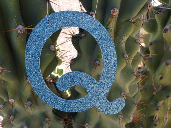 Glitter Q Ornament, Letter Ornament, Monogrammed Personalized Decoration, Christmas Ornament, Door Hanger, Place Card, Wedding Place Card