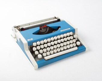 Vintage Blue Typewriter / Unis Tbm de Luxe Olympia Typewriter / 70s Yugoslavia