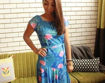 70s Vintage Blue Hawaiian Floral Print Dress