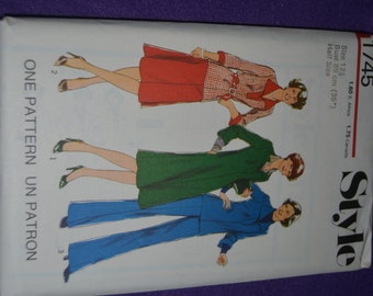 Style  1745  Misses Dress or Top Skirt and Trousers in half Sizes Sewing Pattern - UNCUT - Many Sizes Available