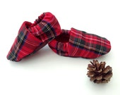 Festive baby shoes, first christmas, infant shoes, baby boy slippers, boys booties, plaid Christmas, baby gift ideas