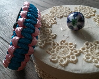 Pink and blue paracord bracelet