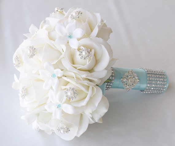 spectacular ivory white brooch jewel wedding bouquet pin. Black Bedroom Furniture Sets. Home Design Ideas