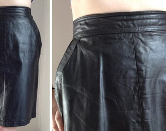 Vintage Black Leather Pencil Skirt - Small
